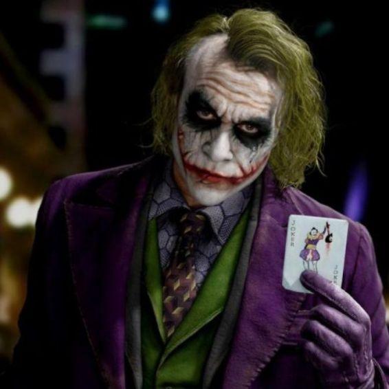 Joker interpretado por Heath Ledger
